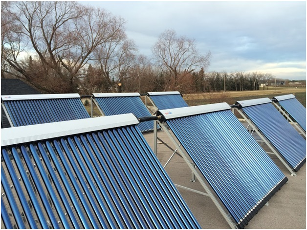 Pool Owner Installs Large Solar Thermal Heating System